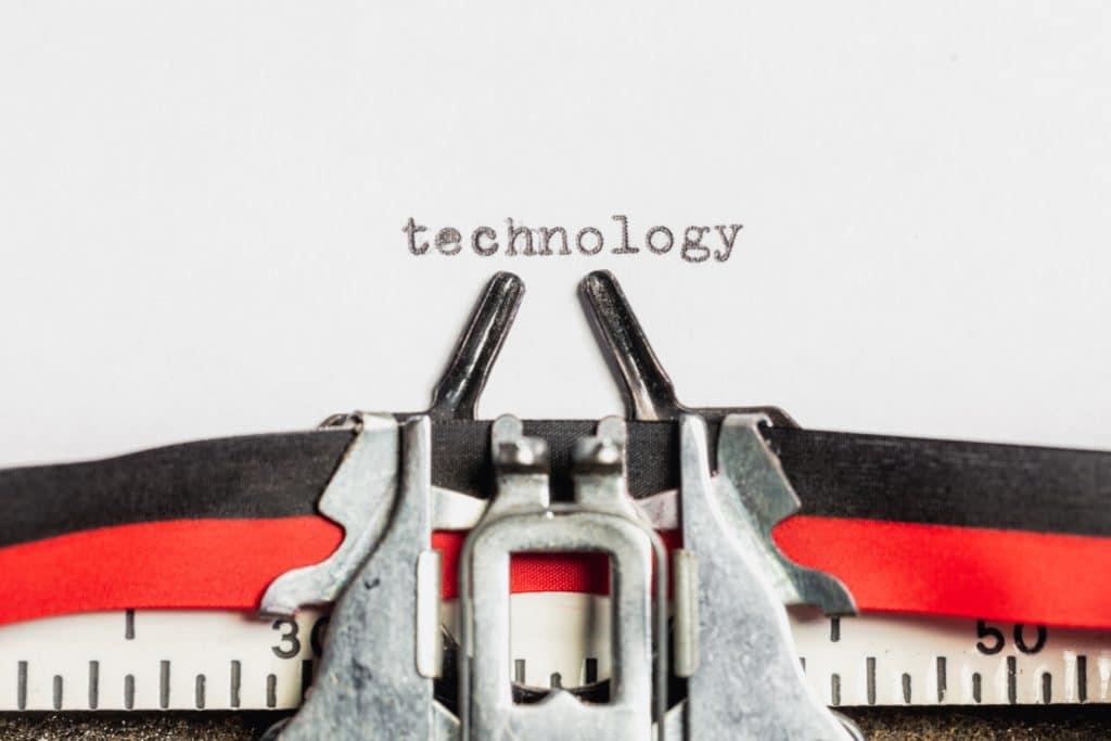 Siamo schiavi della tecnologia?